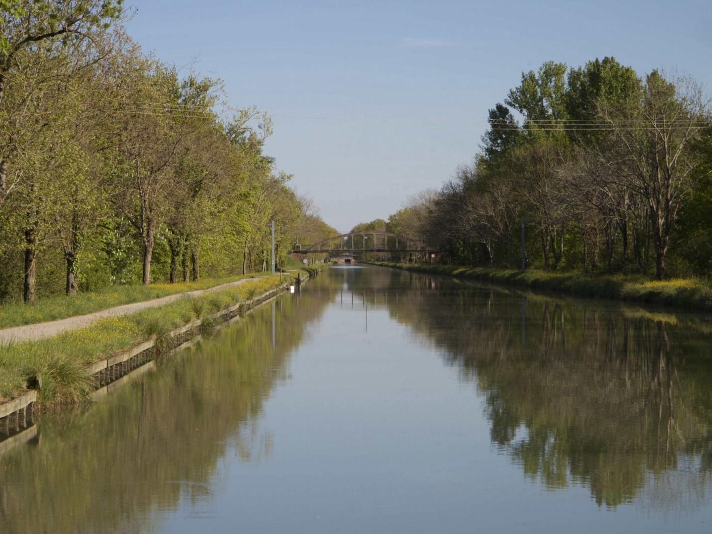 Escatalens écluse canal latéral